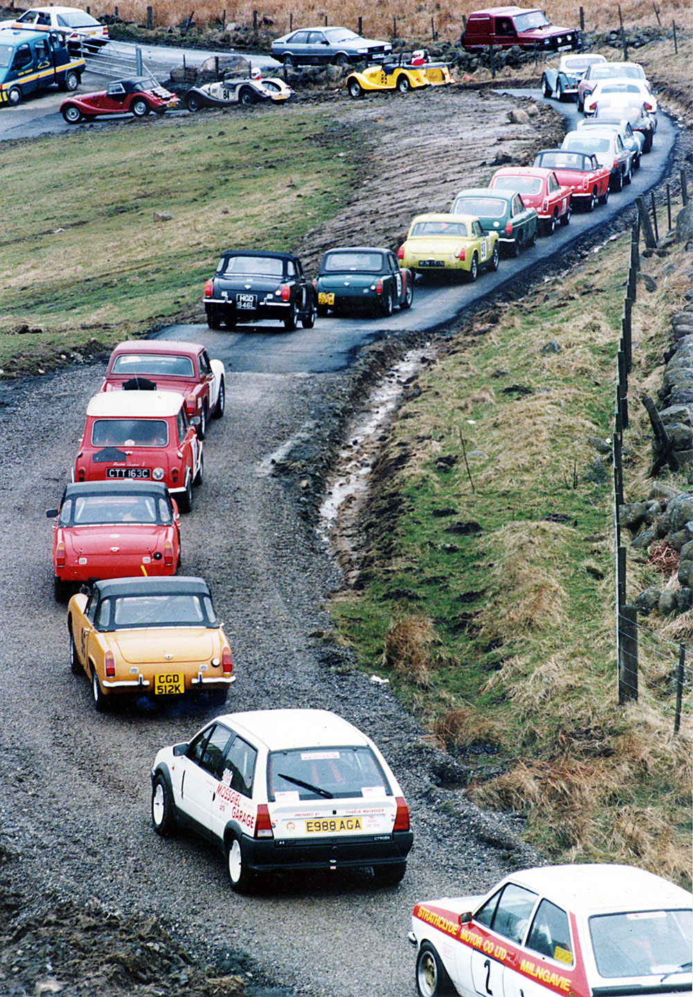 Inaugural event: cars queue at the start line